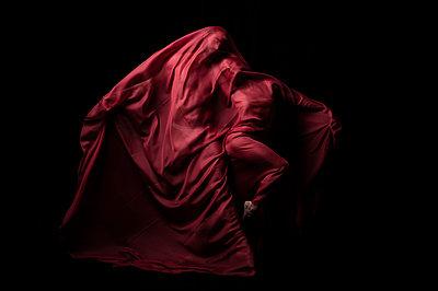 Dance theatre - p1139m2210704 by Julien Benhamou