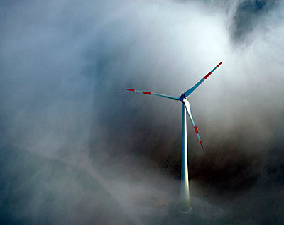 Wind turbine - p1016m1515207 by Jochen Knobloch