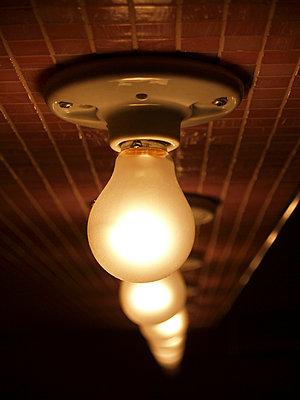 Warmes Licht - p1320288 von Peer Hanslik