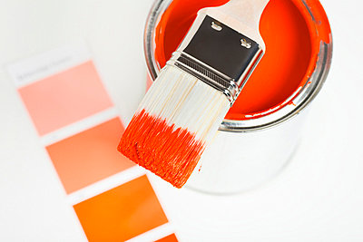 Orange paint can with paintbrush and color sample - p4737795f by STOCK4B-RF