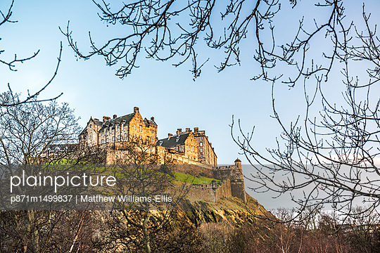 Edinburgh Castle at sunset, UNESCO World Heritage Site, Edinburgh, Scotland, United Kingdom, Europe