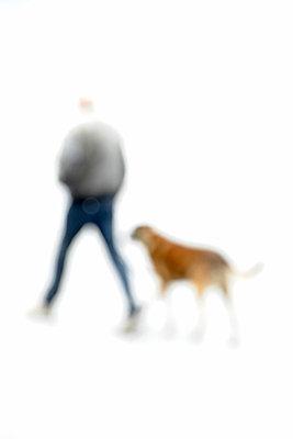 Mit dem Hund raus - p6010319 von Alain Caste