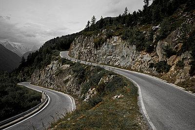 Winded mountain road - p1980108 by David Breun