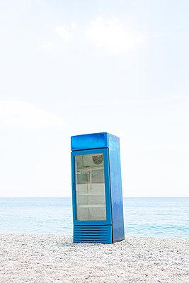 Old refrigerator - p454m2172219 by Lubitz + Dorner