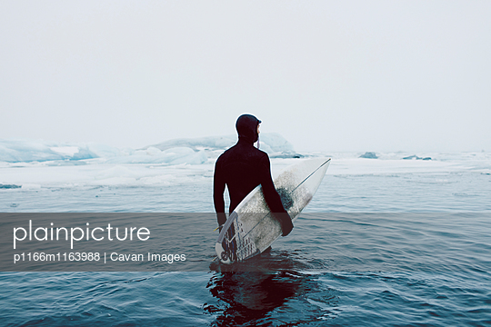 p1166m1163988 von Cavan Images