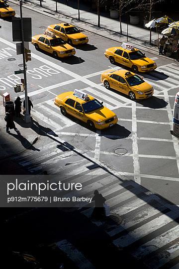 p912m775679 von Bruno Barbey