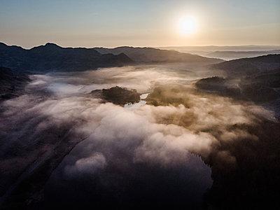 Die Sonne geht auf - p1326m2161127 von kemai