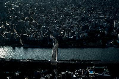 Tokyo - p798m1031639 by Florian Loebermann