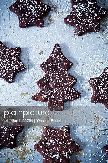 Kekse mit Puderzucker - p1149m1486764 von Yvonne Röder