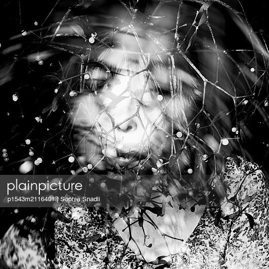 No Title  - p1543m2116401 by Sophia Snadli