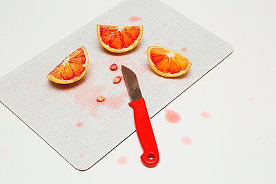 Blood orange - p1149m1118835 by Yvonne Röder
