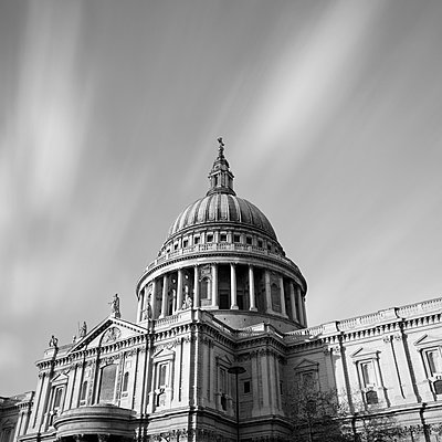 St Paul's Cathedral - p429m819506 by Alex Holland