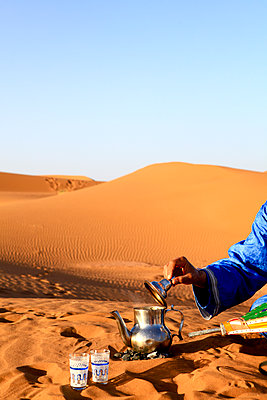 Tea on desert - p503m2064063 by Fabrice Arfaras