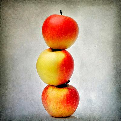 Three apples - p8130295 by B.Jaubert