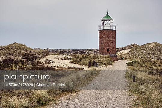 """Germany, Sylt, Lighthouse, Quermarkenfeuer """"Rotes Kliff"""" - p1573m2178929 by Christian Bendel"""