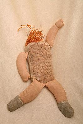 Kopflose Puppe - p165m881004 von Andrea Schoenrock