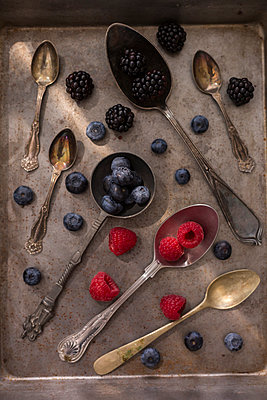 Fruits on various spoons - p300m2029512 by JLPfeifer
