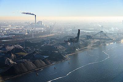 Hafen in Amsterdam - p1120m1042462 von Siebe Swart