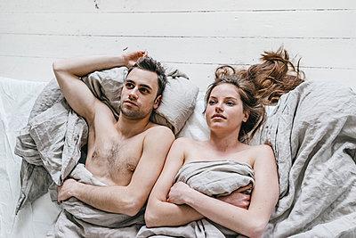 Junges Paar hat ein Beziehungsproblem - p586m1178753 von Kniel Synnatzschke