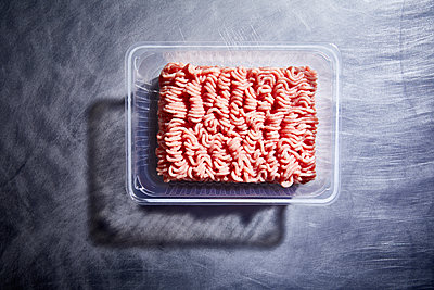 Ground meat - p851m1481627 by Lohfink
