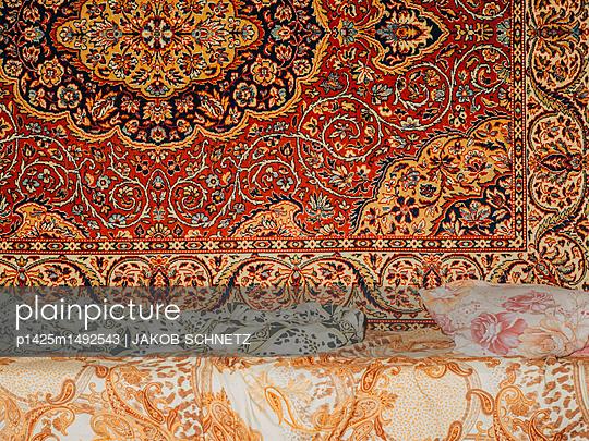 Blumenbett - p1425m1492543 von JAKOB SCHNETZ
