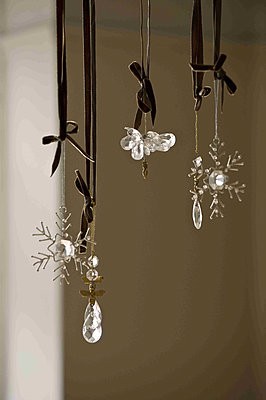 Hanging Christmas decoration trinkets - p349m790790 by Polly Eltes