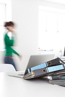 Eile im Büro - p4540800 von Lubitz + Dorner