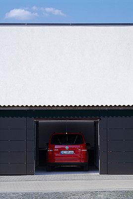 Garagendetail - p3860153 von Christoph Eblenkamp