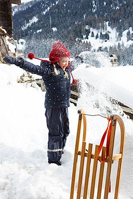 Snowy vacation - p454m2124972 by Lubitz + Dorner