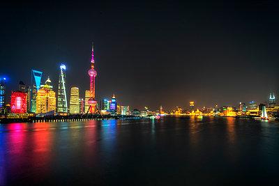 Shanghai Skyline Number 3 - p1154m2022418 by Tom Hogan