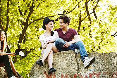 Teens  - p1015m1441929 von Nino Gehrig