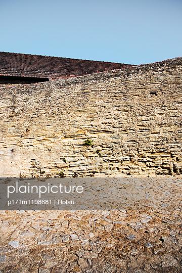 Alte Natursteinmauer - p171m1198681 von Rolau