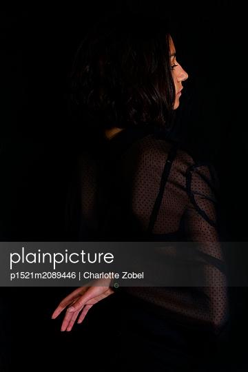 Young woman, Profile - p1521m2089446 by Charlotte Zobel