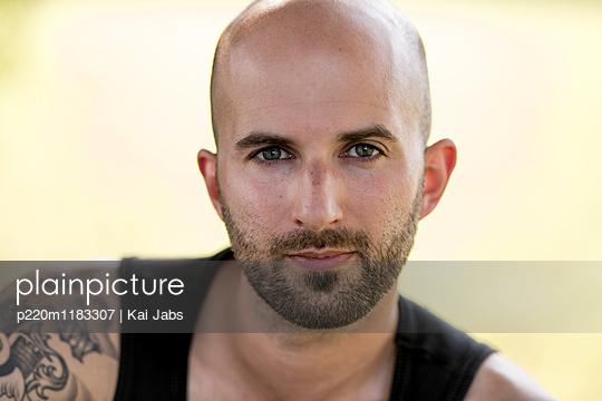 Portrait - p220m1183307 von Kai Jabs
