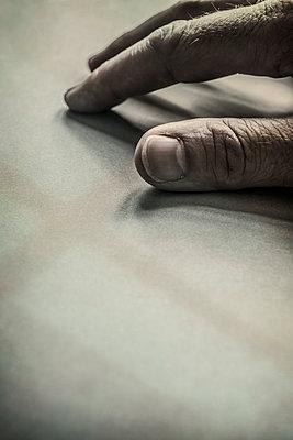 Man's Hand - p1228m1460761 by Benjamin Harte