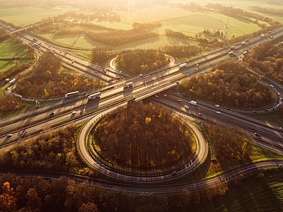 Interchange, aerial view - p586m1092017 by Kniel Synnatzschke