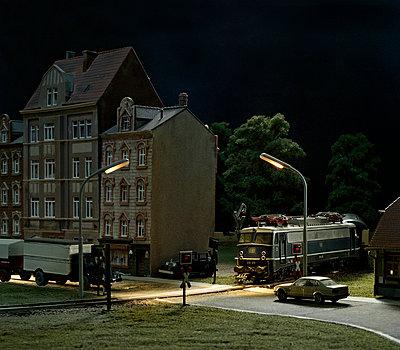 Night miniature - p962m668596 by Robert Schlossnickel