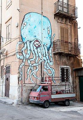 Krake, Sizilien - p237m1083611 von Thordis Rüggeberg