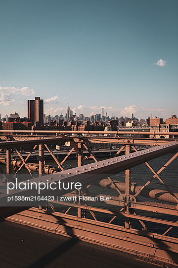 Steel construction, Brooklyn Bridge, New York City - p1598m2164423 by zweiff Florian Bier