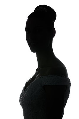 Silhouette of woman - p919m1109531 by Beowulf Sheehan