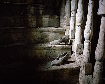 Vergessene Schuhe - p945m880875 von aurelia frey