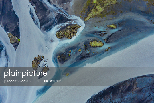 Overfloating land - p1585m2285292 by Jan Erik Waider