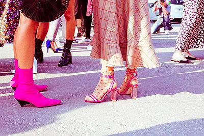 Gruppe von stylischen Frauen - p432m1510484 von mia takahara