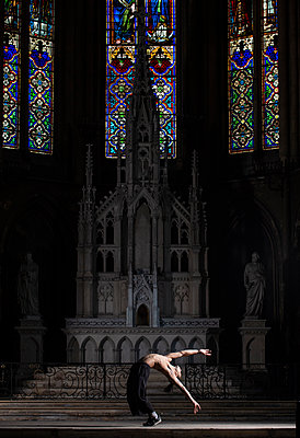 Ballet dancer in a church - p1139m2210688 by Julien Benhamou