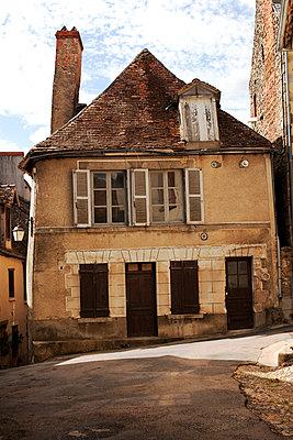 Saint-Benoît-du-Sault - p548m904139 by Fred Leveugle