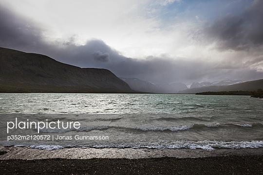 Lake in Norrbotten, Sweden - p352m2120572 by Jonas Gunnarsson