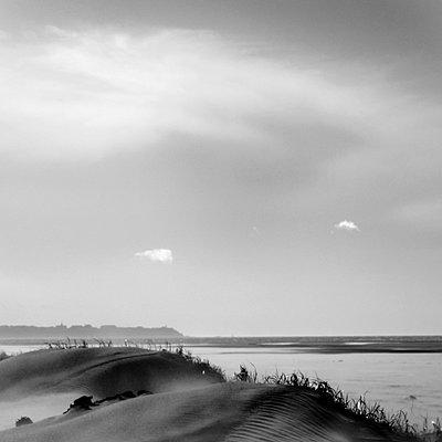 Dunes - p9112746 by Valérie Manikowski