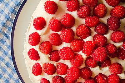 Raspberry cake - p1418m1572356 by Jan Håkan Dahlström