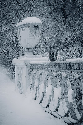Detail of railings of bridge covered in snow - p970m1123878 by KATYA EVDOKIMOVA