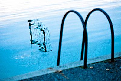 Swim ladder - p916m945735 by the Glint